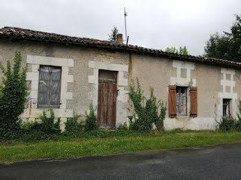 maison à Chepniers (17)