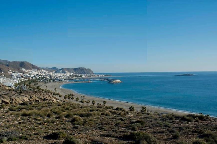 Carboneras, vista aérea del municipio y sus playas.