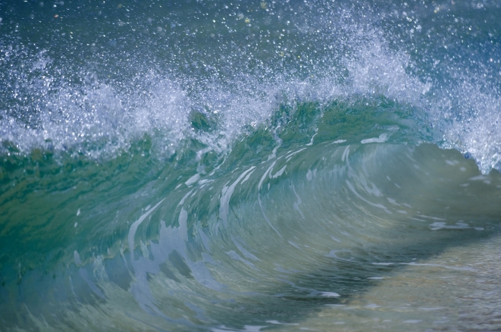 L'onda di Andrea Izzotti