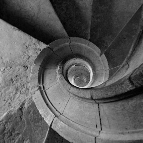 Downward spiral. by Miguel Silva - Abstract Patterns ( pwccurves )