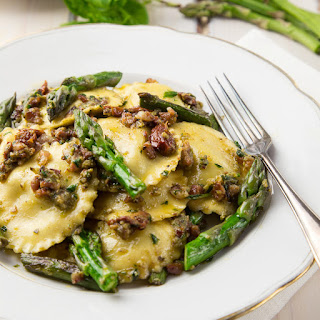 Pesto Ravioli With Asparagus And Pancetta