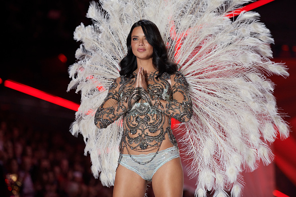 b6105f19bf4 5 of the best looks from the Victoria s Secret fashion show 2018