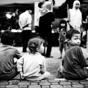 The Waiting by Ibrahim Johan - Babies & Children Children Candids ( b&w, children, streets )