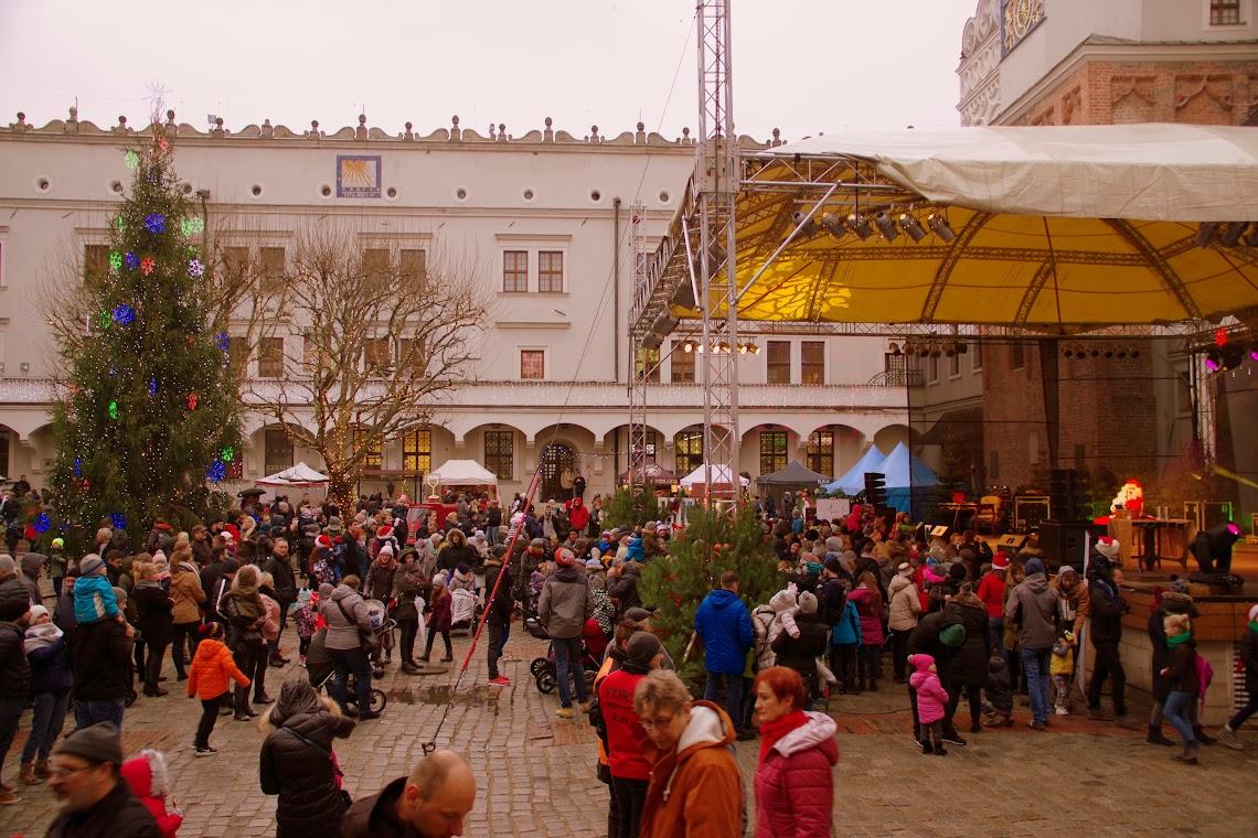 Besucher aus Nah und Fern kamen am Wochenende zum Weihnachtsmarkt nach Szczecin (Stettin). Foto: Andreas Schwarze (asc)