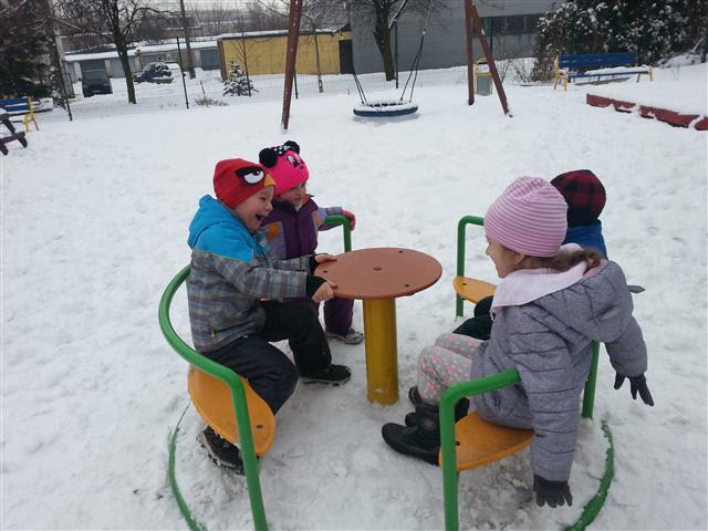 Misie: Zabawy na śniegu