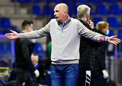 """Clement panikeert niet: """"Het is misschien beter om met 3-0 dan met 1-0 te verliezen"""""""