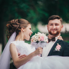 Wedding photographer Ekaterina Vasileva (Katevaesil). Photo of 07.08.2017