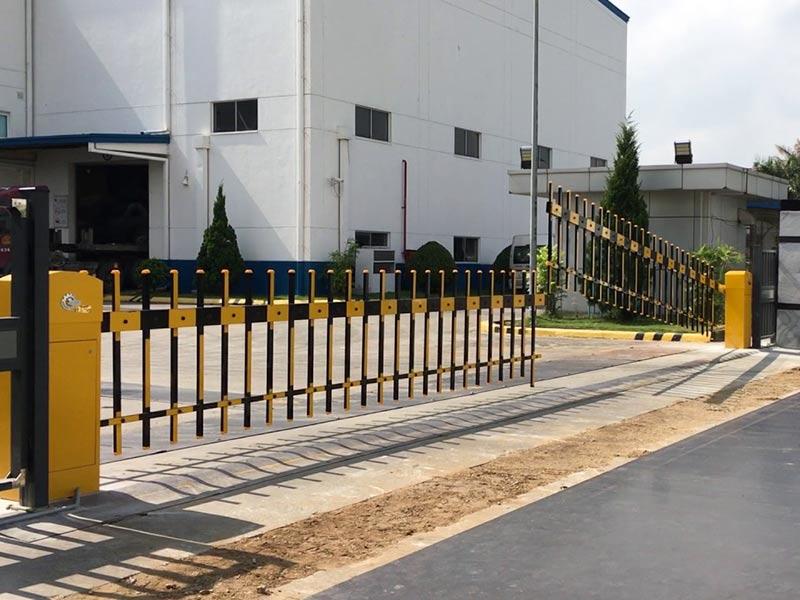 Rào chắn tự động cũng là 1 loại barie với đủ 2 bộ phận