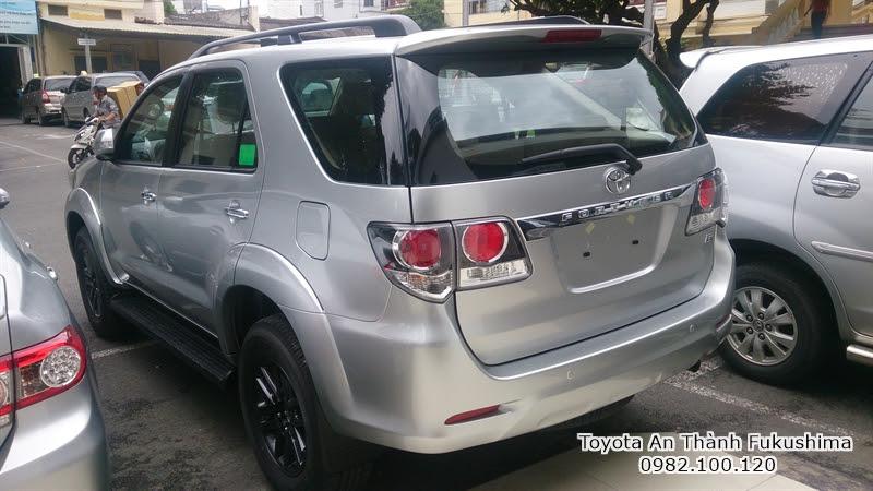 Khuyến Mãi Giá Xe Toyota Fortuner 2.5G Máy Dầu Số Sàn Mới 8