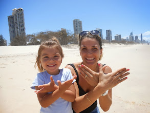 Photo: Gabby et Anne (Surfers Paradise, Australie)