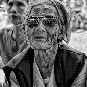 by Charliemagne Unggay - People Street & Candids ( woman, b&w, portrait, person,  )