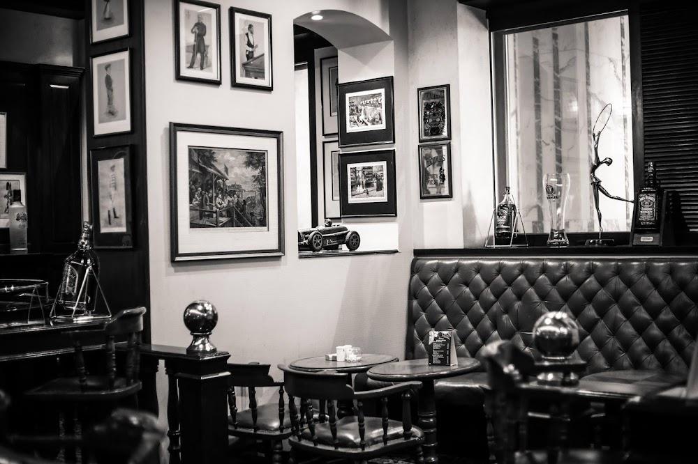 sports-bars-mumbai-Geoffreys