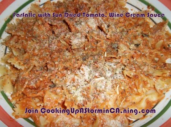 Farfalle With Sun Dried Tomato, Garlic & Wine Cream Sauce Recipe