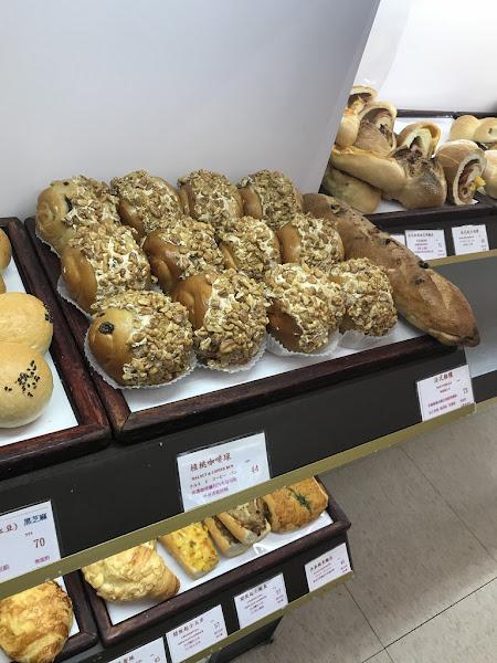 老字號西門的麵包店-多柏思麵包蛋糕-旗艦店