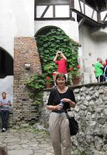 Photo: Turistin Bran Castlen sisäpihalla