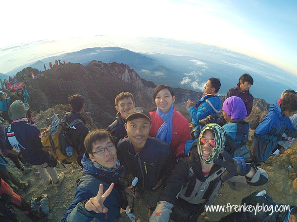 We are at Summit Rinjani 3726 Mdpl