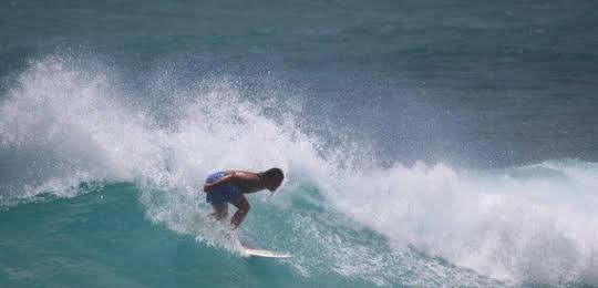 A Fei Surf Inn I
