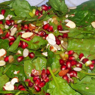 Colorful and Crunchy Pomegranate and Spinach Salad