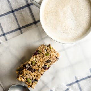 Cranberry Dark Chocolate Granola Bars (Gluten-Free, Refined Sugar-Free)