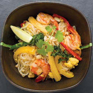 Stir-fried Shirataki Noodles with Prawn and Vegetables.