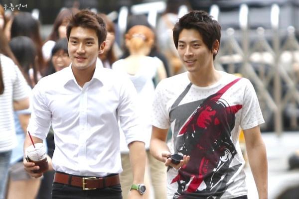 handsome managers - super junior