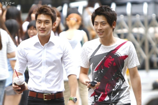 handsome managers - super junior