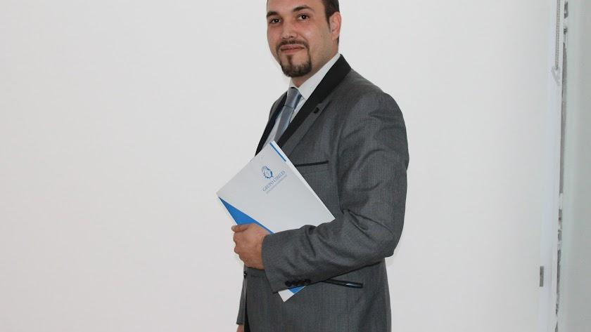 Álvaro Gonzalo Lillo, agente inmobiliario.