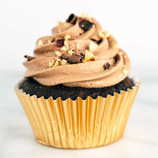 Chocolate Nutella Crunch Cupcakes
