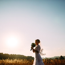 Wedding photographer Yuriy Vakhovskiy (Urik). Photo of 01.12.2015