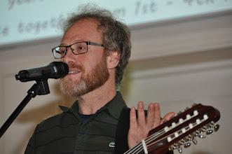 Photo: Met zijn begeleiding zingen we nog een mooi Arabisch en geactualiseerd liefdeslied.