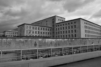 Photo: Berlin Wall (Topography of Terror Museum) and German Finance Ministry (former Nazi Luftwaffe HQ)