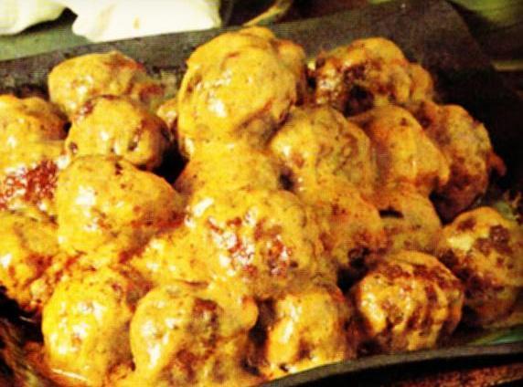 Meatballs In Spicy Peanut Curry Sauce Recipe