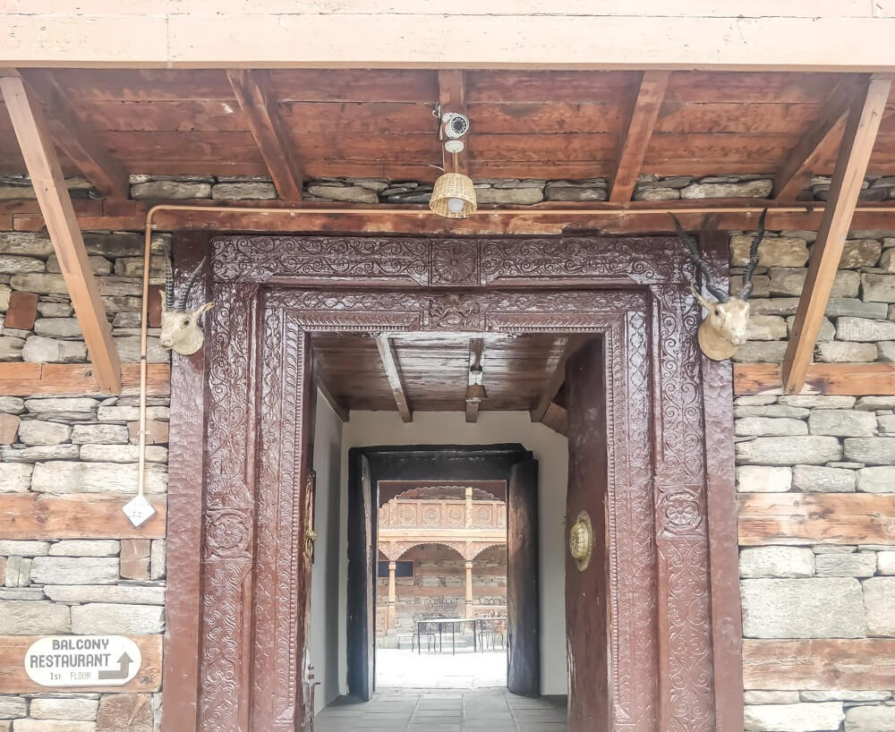 naggar+castle+hotel+manali+himachal+pradesh