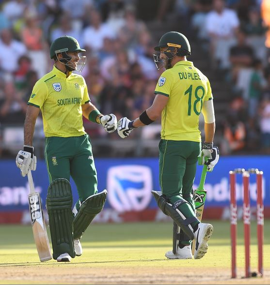 Faf du Plessis and Reeza Hendricks blasted South Africa to victory in the 1st KFC T20 International match against Pakistan at PPC Newlands Stadium on Friday night.