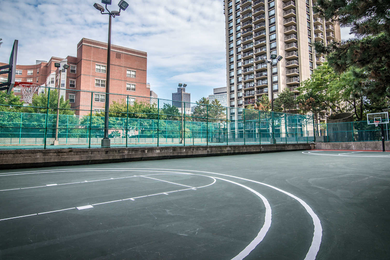 the-towers-at-longfellow-apartments-basketball-court