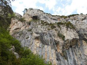 Photo: encore une grotte et des parois impressionnantesdans les Canals del Goter