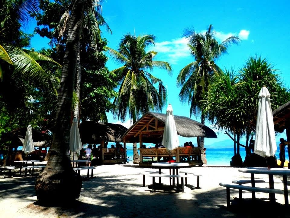 DIY Honda Bay Island Hopping Tour (Luli Island, Starfish Island, Isla Pandan, Cowrie Island)