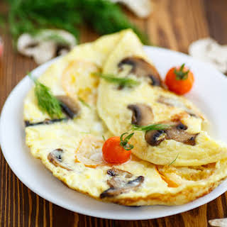 Egg White Omelette with Cheese & Vegetables.
