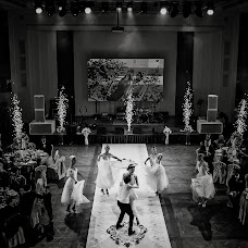 Wedding photographer Artem Velikanov (artemvelikanov). Photo of 09.11.2015