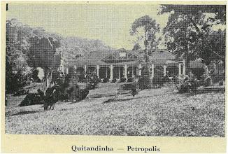 Photo: Vista da casa da Fazenda da Quitandinha, erguida no mesmo local aonde hoje está o Palácio Quitandinha. Foto sem data
