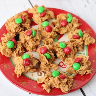 No Bake Peanut Butter Corn Flake Cookies {Christmas}.