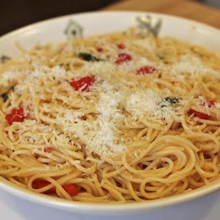 Spaghetti with Cherry Tomatoes and Pecorino