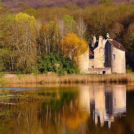 Chateau de la chasse by Gérard CHATENET - Buildings & Architecture Other Exteriors