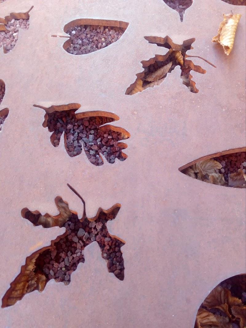 foglie vere e foglie contemporanee  di patsie_1506