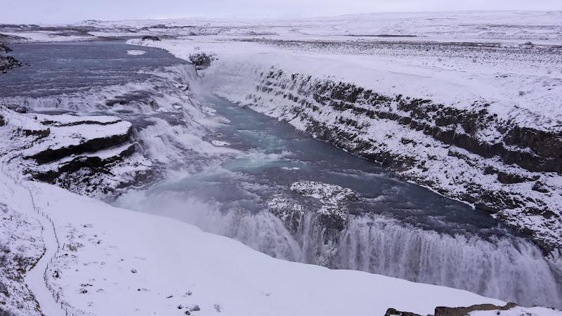 Two waterfalls, one flow di Eufrasia