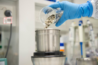 Photo: STEP 3:  To ensure the samples are of a uniform consistency, they are then milled to a fine powder.   http://fodmapmonash.blogspot.com.au/2015/09/fodmap-testing.html