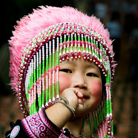 Hill tribe girl by Daryl James - People Street & Candids ( child, girl, thialand, thailand, hill tribe, travel )