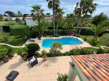 Villa 5 pièces 218 m2