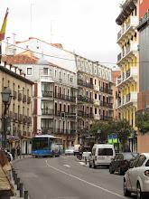 Photo: Calle curvada, porque en Madrid tampoco se hacen las cosas bien.
