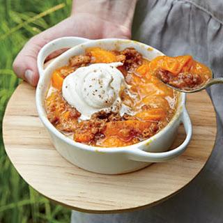Apricot-Amaretti Crisp